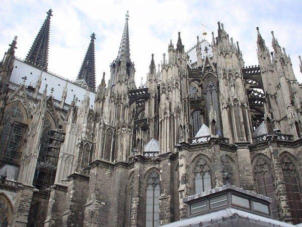 Gothic architecture.jpg