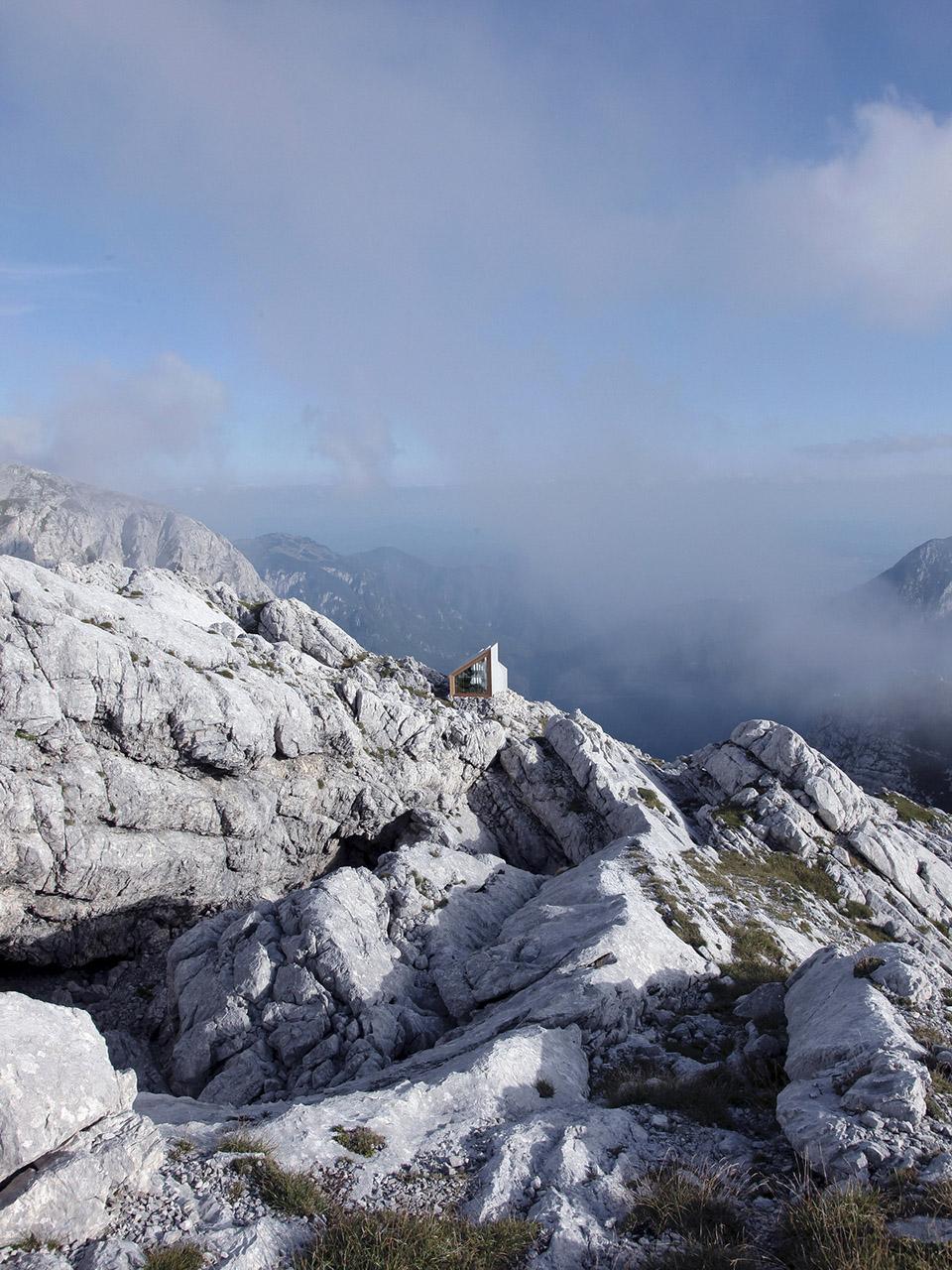 Alpine Shelter Skuta1.jpg