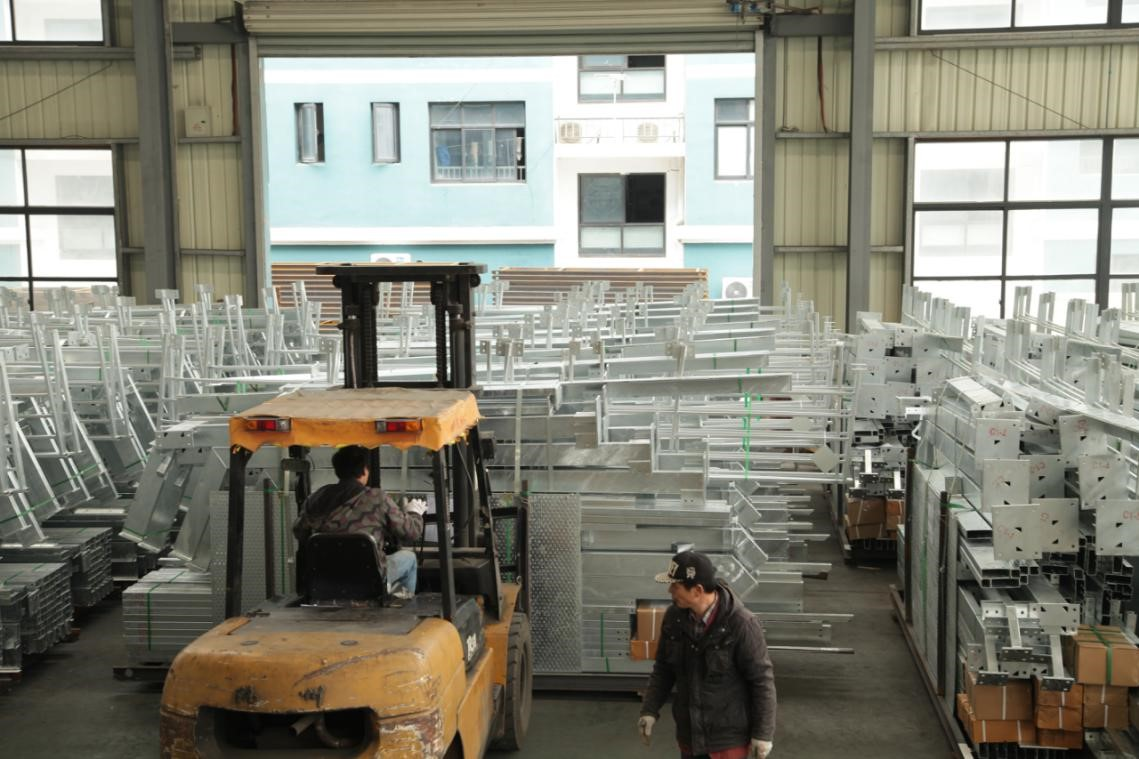 PTH Factory Pre Engineered Steel Buildings Production